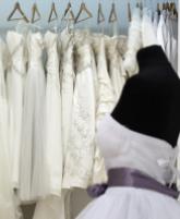 أمور مهمة يجب مراعاتها قبل شراء فستان الزفاف