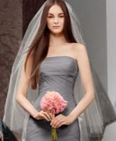 للعروس الجريئة فقط.. اختاري لون فستانك حسب شخصيتك