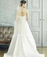 أهم النصائح لاختيار قصة ظهر فستان الزفاف